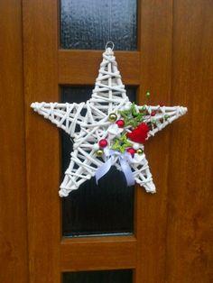Vánoční jednohubka č. 9 - velká zelená sníh vánoce fialová aranžování advent hvězdičky vánoční věnec bytové dekorace třpytivé ozdoby