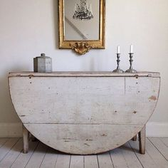 This Ivy House : Gustavian Swedish Style Swedish Decor, Swedish Style, Swedish Design, Scandinavian Design, Vintage Furniture, Painted Furniture, Furniture Design, Country Furniture, Classic Furniture