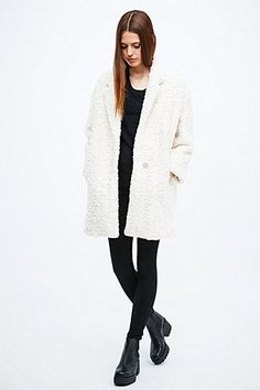 Silence + Noise Soft Fuzzy Cocoon Coat in Ivory - Urban Outfitters