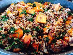 Kūmara with Kale and Wild Rice Lunch Box Recipes, Whole Food Recipes, Kumara Recipes, Spinach Rice, Wild Rice, Paella, Kale, Vegetarian Recipes, Veggies