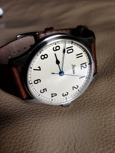Stowa Marine Automatic- great classic look, good for every day wear, and reasonably priced for a German automatic Watch 2, Apple Watch, Cool Watches, Watches For Men, Gold Leaf Furniture, Metal Watch Bands, Stowa, Skeleton Watches, Beautiful Watches