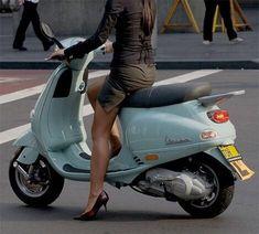 History Of Cars Car History Biker Girl Vespa Scooter Girl, Vespa Girl, Motor Scooters, Vespa Scooters, Lambretta Scooter, Motos Vespa, Piaggio Vespa, Vespa Et4, Harley