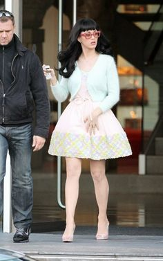 Katy Perry Cute HQ Photos - Leggy Candids in LondonT