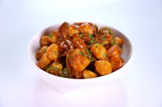 Gnocchi all Amatriciana Mario Batali. I saw this recipe on The Chew today! Looks easy and fabulous :) Italian Pasta, Italian Dishes, Italian Recipes, Italian Baby, Italian Foods, Gnocchi Recipes, Pasta Recipes, Pastries, Cooking