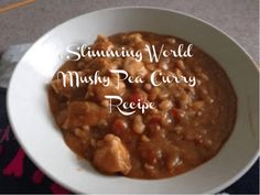 This is a super simple, filling and healthy recipe for Slimming World Mushy Pea Curry. Great for all the family and it'll help you shed those extra pounds. astuce recette minceur girl world world recipes world snacks Slimming World Curry, Curry Recipes, Healthy Recipes, Diet Recipes, Healthy Food, Mushy Peas, Beans Curry, Slimming World Recipes, Brownie Recipes