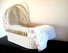 How Really Awesome And Cool Classic Wicker Bassinet Designs