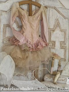 Pastels and Whites: Back from vacation / terug van Italie. Inspiration for my tulle skirts Ballet Costumes, Dance Costumes, Baby Costumes, Ballet Tutu, Ballet Shoes, Ana Pavlova, Vintage Ballet, Vintage Dress, Ballet Russe