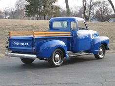 Chevy 3100 Pick-Up Truck ☆★☆★☆ may not be my yellow truck but this blue is beautiful! I want it sooooo bad!!!!!!