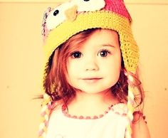 if her hair was blond and her eyes were teal, SIDNEY!! @Corinne Everdeen do you see what her hat is?! ;)