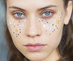 beauty & make-up at the A Detacher spring / summer 2015 showing at New York fashion week Makeup Trends, Makeup Inspo, Makeup Inspiration, Kiss Makeup, Eye Makeup, Hair Makeup, Glitter Makeup, Beauty Make Up, Hair Beauty