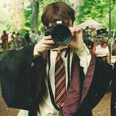 Daniel Radcliffe - bts of Harry Potter Harry Potter Tumblr, Harry James Potter, Harry Potter World, Photo Harry Potter, Memes Do Harry Potter, Objet Harry Potter, Magia Harry Potter, Mundo Harry Potter, Harry Potter Icons