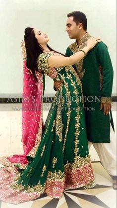 Mehndi outfit for male & female plus beautiful pose