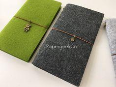 Notebook revista fieltro recargable Midori viajero por PapergeekCo