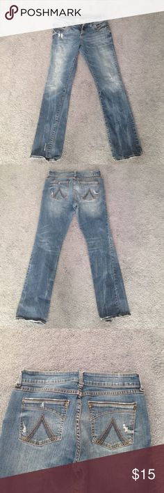 dELiAs regular  cut jeans Barely worn really comfy. Fits like an 8 and the length is shorter.  Jeans Straight Leg