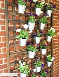 Vertical Garden Ideas for Indoors and Outdoors Why should you have a creative design for your DIY vertical garden ideas?Why should you have a creative design for your DIY vertical garden ideas? Vertical Wall Planters, Vertical Garden Diy, Hanging Planters, Planter Pots, Lattice Garden, Concrete Planters, Diy Wall Planter, Lattice Wall, Vertical Gardens