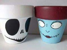 Nightmare Before Christmas Jack and Sally painted flower pots - use to hold Halloween candy? Fall Halloween, Halloween Crafts, Holiday Crafts, Holiday Fun, Halloween Decorations, Halloween Candy, Christmas Decorations, Flower Pot Crafts, Clay Pot Crafts