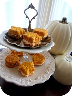 Pumpkin Whoopie Pies for a little fun at teatime !!