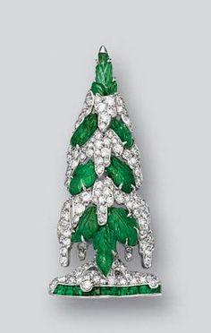 Attractive emerald and diamond brooch, circa 1930 – Sotheby's