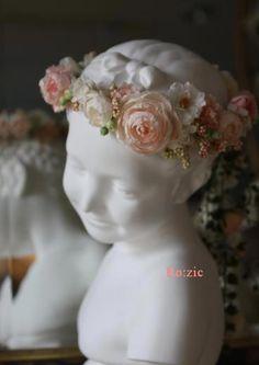 2013.3.7  ピーチピンクの花冠とリストレット : Ro:zic die floristin