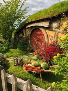 Hobbiton — Hello Miss May Hobbit Hole, The Hobbit, Hobbit Garden, Drink Plenty Of Water, Fairytale Cottage, Earth Homes, Fairy Houses, Middle Earth, Lord Of The Rings