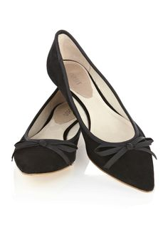 pointy black flats.  i hope these are comfortable