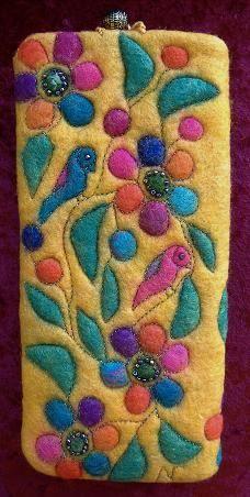 Glass Cases Wool Needle Felting, Wet Felting, Felt Fabric, Fabric Art, Felt Phone Cases, Felt Pouch, Felt Pictures, Creative Textiles, Textile Fiber Art