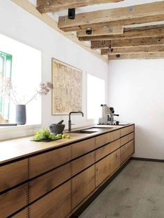 Rustikale Küche: Fotos und Deko-Modelle Rustic kitchen: photos and deco models! Home Decor Kitchen, Rustic Kitchen, New Kitchen, Awesome Kitchen, Kitchen Modern, Kitchen Tips, Kitchen Ideas, Kitchen Inspiration, Timber Kitchen