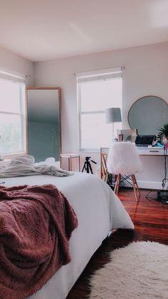 Room Ideas Bedroom, Bedroom Decor, Bedroom Mirrors, Bedroom Inspo, Bedroom Furniture, Bed Room, Fall Bedroom, Bedroom Designs, Bedroom Ideas On A Budget