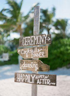 Driftwood wedding sign: http://www.stylemepretty.com/2015/01/06/coral-bahamas-destination-wedding/ | Photography: KT Merry - http://www.ktmerry.com/