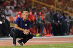 Kurz vor der Copa América wächst der Unmut über US-Trainer Jürgen Klinsmann. Die Bilanz nach fünf Jahren im Amt ist durchwachsen. Hat sich der Deutsche zu hohe Ziele gesetzt?
