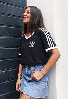 The frayed edges on this denim mini are pure end-of-summer vibes. Pair yours with this year's best throwback tee – the adidas three stripe – and matching Superstars for chilled-out wins: