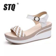 Camel Sandals, Shoes Sandals, Flat Sandals, Flip Flop Shoes, Biker Boots, Huaraches, Summer Shoes, Michael Kors Bag, Girls Shoes