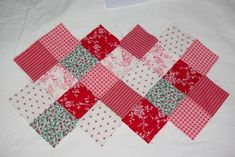 Tuto: the bag 22 squares - Damocamelia & Violaine present, Patchwork Jeans, Cloth Bags, Patches, Presents, Textiles, Quilts, Blanket, Pattern, Handmade