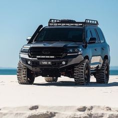 ・・・ ・・・・・・・・・ Cant get enough of this rig! ・・・ ・・・・・・・・・ Cant get enough of this rig! Toyota Hilux, V8 Landcruiser, Toyota 4x4, Toyota Trucks, Lifted Ford Trucks, Toyota Cars, 4x4 Trucks, 4runner Trd Pro, Toyota Cruiser