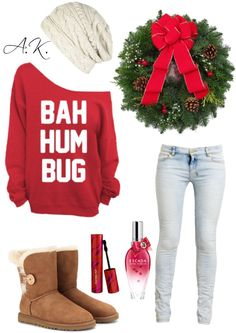 A Christmas outfit! I'm kind of obsessed with slouchy sweaters lately...  *Winter/Christmas*