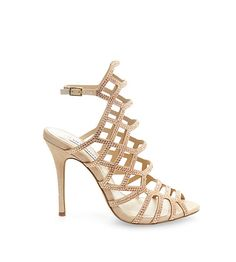 Shop women's sandals from Steve Madden to find this season's hottest looks. Pick your favorite sandals for women to stay on trend all year long. Cute Woman, Girly Girl, New Shoes, Wearable Art, True Love, Steve Madden, Shoe Boots, Shoes Sneakers, Sandals