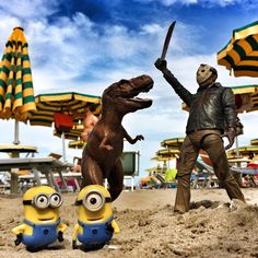 Minion Dave & Minion Stuart relaxing on an ordinary T-Day at the beach... T-⚠️⛵️