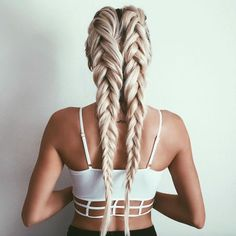 awesome The 16 Best Mane Moments From Instagram This Week by http://www.dezdemon-exoticfish.space/fishtail-braids/the-16-best-mane-moments-from-instagram-this-week/