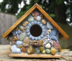 Unusual Birdhouses. OK, I want to make one of these!