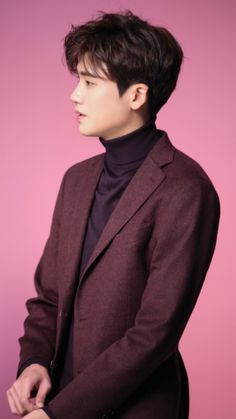 ParkHyungsik  http://m.star.naver.com/HYUNGSIK/photo/list