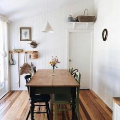 Vintage Home Decor dining.Vintage Home Decor dining Room Inspiration, Interior Inspiration, Home And Deco, Dining Room Design, Cozy House, Interiores Design, Home Fashion, Home Remodeling, Living Spaces