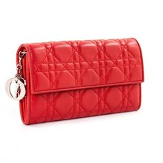 Pre-owned Dior Leather Clutch Bag (€510) ❤ liked on Polyvore featuring bags, handbags, clutches, red, women bags clutch bags, red leather handbags, leather handbags, real leather handbags, preowned handbags and christian dior handbags