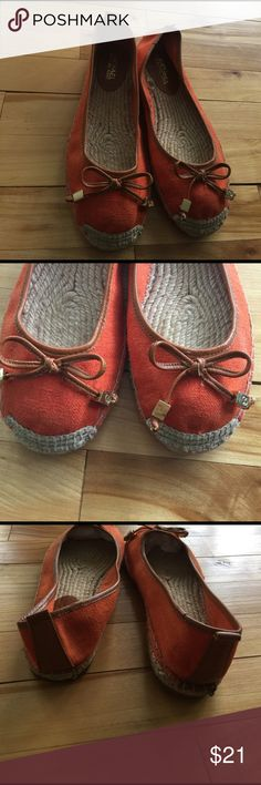 Michael Kors orange linen espadrilles. Size 8 Michael Michael Kors orange linked espadrilles. Thin edging of brown leather and bows with square gold beads. Jute toe 'bumpers' and inner lining of sole. Really nice, clean condition. Nonsmoking home. Size 8. MICHAEL Michael Kors Shoes Espadrilles