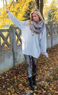 Oversized sweater with leggings