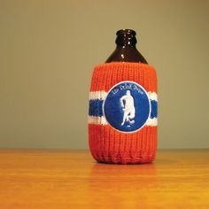 The Drink Toque - The Hockey Player Classic, vintage-style, knit koozie. Hockey Players, Vintage Fashion, Vintage Style, Knitting, Drinks, Classic, Sports, Canada, Collection