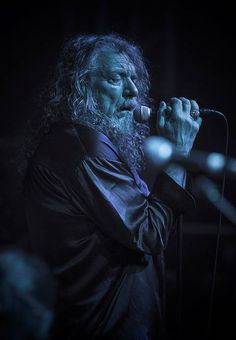 Robert Plant performing recently in Chile.