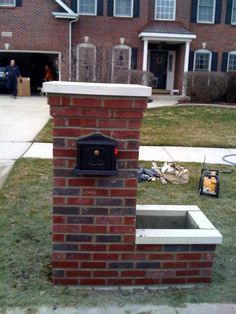 Search Building A Brick Mailbox Post. Visit & Look Up Quick Results Now On imagemag. Stone Mailbox, New Mailbox, Mailbox Post, Mailbox Ideas, Mailbox Designs, Casa Mix, Home Mailboxes, Modern Driveway, Mailbox Makeover