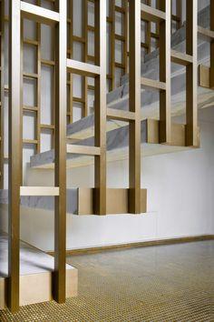 Labics, Alessandra Chemollo · D apartment Interior Stair Railing, Modern Stair Railing, Staircase Handrail, Stair Railing Design, Modern Stairs, Modern Balcony, Balcony Railing, Staircases, Balcony Grill Design