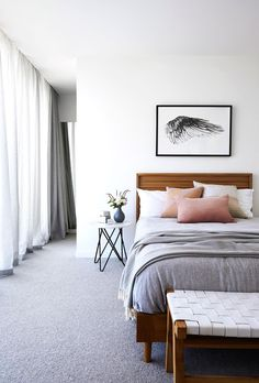 Light and airy bedroom Helles und luftiges Schlafzimmer Scandi Bedroom, Airy Bedroom, Home Decor Bedroom, White Bedrooms, Bedroom Ideas, Modern Bedrooms, White Bedroom Curtains, Artwork For Bedroom, Master Bedroom
