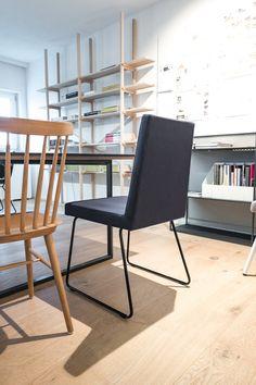 #Büro #Stühle #Interiordesign #Innenarchitektur #Gastronomie #Einrichtung #Office #www.innenraumdesign.at Interiordesign, Office, Dining Chairs, Furniture, Home Decor, Fine Dining, Interior Designing, Dining Chair, Interior Design